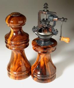 Salt & Peppermill Set