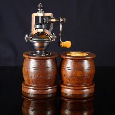 Olde Tyme Series Salt Shaker/Pepper Mill Set